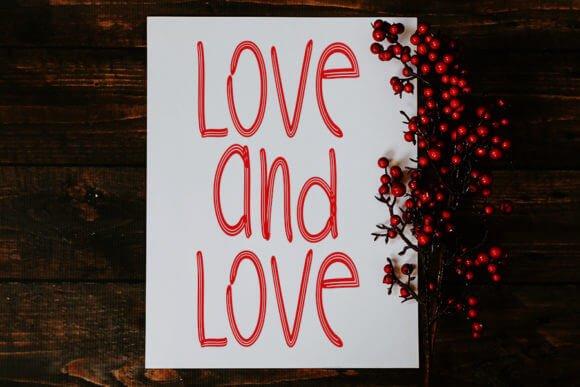 Christmas Happy Love Font