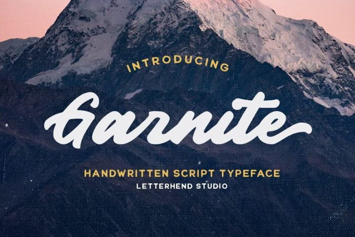 Garnite - Handwritten Script Font